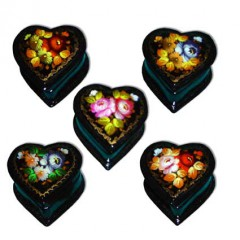 Шкатулка лаковая Сердце Жостовские цветы