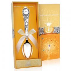 Подарок с гравировкой Художественные изделия из серебра 14010116, Детская серебряная ложка «Часы»