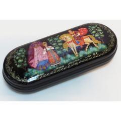 Шкатулка лаковая Марья Маревна, ручная роспись (металл, пластик), 16x6x3.5 см.