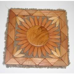 Деревянное изделие подставка под горячее на мешковине можевельник шлифованный