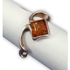 Янтарь кольцо Вьюн